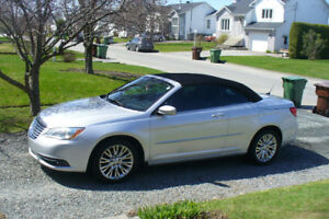 Convertible  Chrysler 2012 touring