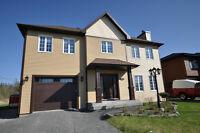 Imposante propriété construction 2010 avec garage