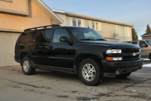 Lovely 2005 Suburban Z71 4X4 7 pass