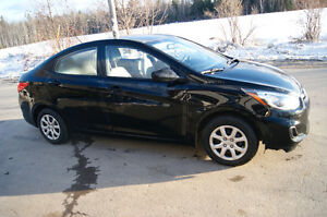 2014 HYUNDAI ACCENT LOADED like new got to see
