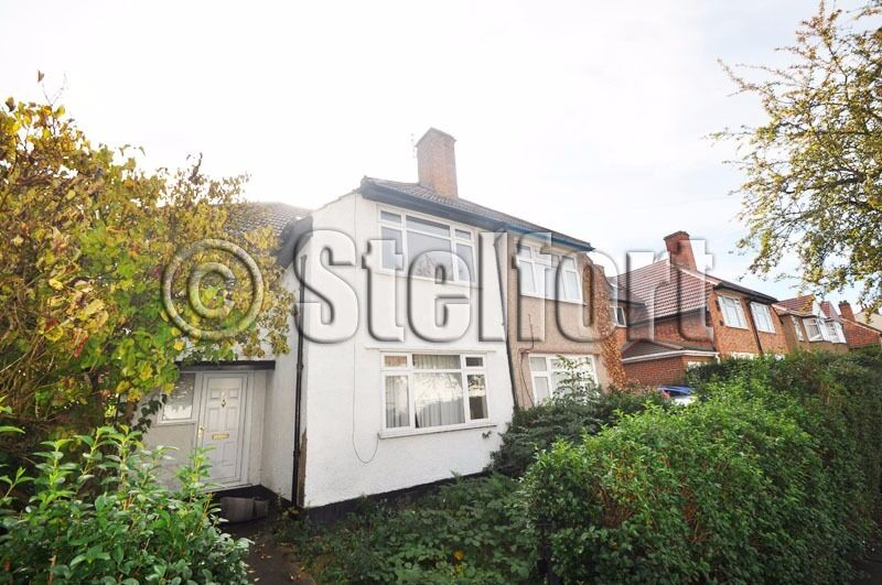 Just refurbished four bedroom property is located within walking distance to Hounslow Train station