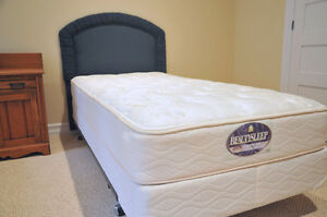Single Bed,Upholstered Headboard and Bed Spread