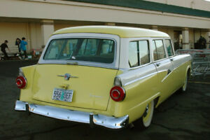 Cherche FORD country  sedan camionnette 4 portes 1956 ou 1955
