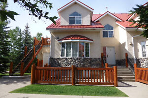 3-Bedroom FURNISHED Riverside Townhome in FERNIE, Avail Now