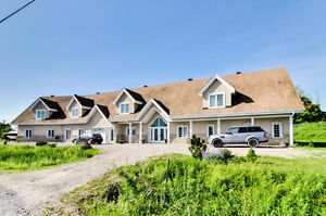 Dream home - Stunning 6300sq/ft home with income apartment.