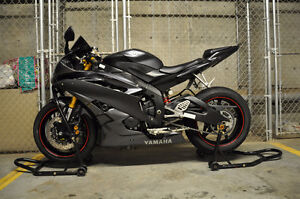 2007 Yamaha R6 - Mint Condition - Less than 10,000km