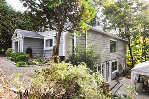 PROPERTY FULL OF CHARM IN HUDSON!  A must see! West Island Greater Montréal image 2