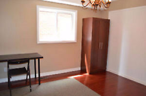 Beautiful room for rent, Best Price for Student!!!