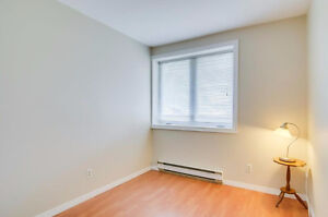 Renovated condo with 2 beautiful bedrooms, very bright. Must see Gatineau Ottawa / Gatineau Area image 9