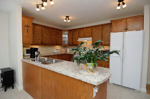UNBEATABLE RAVINE LOCATION!  CUSTOM 4 BED BUNGALOW IN DEVON Edmonton Edmonton Area image 8