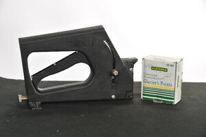 Fletcher 08-980 Glazier Gun and and an open box of points
