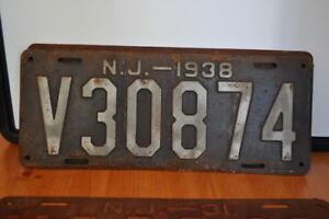 Antique/Vintage License Plates, Oil Cans, Hubcaps
