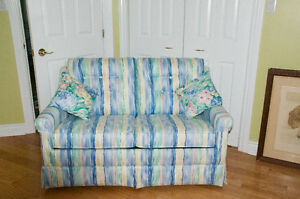 Beautiful Love Seat Hide A Bed
