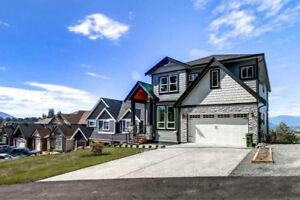 BRAND NEW LUXURY HOME ON PROMONTORY