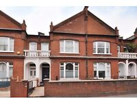 Spacious 3-bedroom upper maisonette in sought-after area: Fulham SW6