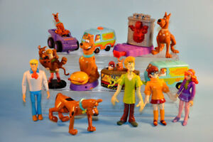 big Lot SCOOBY DOO Shaggy Daphne Fred Velma Toys Figures
