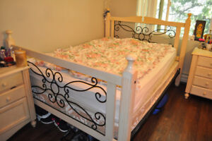 7 pieces Gorgeous Wooden Bedroom Set: bed, desk, table,dresser