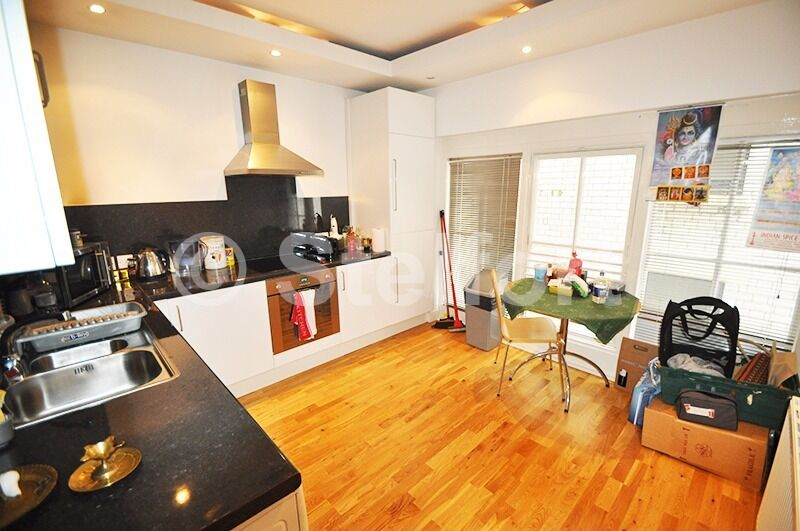 Gorgeous 1 double bedroom apartment is set in Marylebone within easy reach of local transport routes