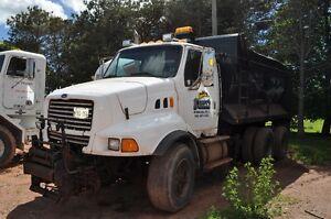 1998 Ford Louiville Dump Truck