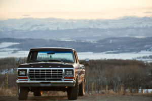 1978 Ford F-250 Camper Special **Low KMs**