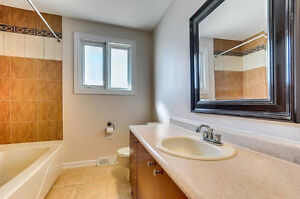 Beautifully Renovated House in Gatineau for Short-Term rental Gatineau Ottawa / Gatineau Area image 6