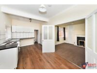 2 bedroom flat in Roman Avenue, Newcastle Upon Tyne, NE6