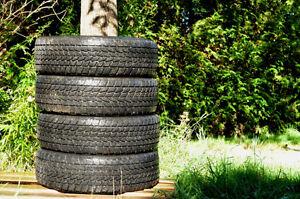4 pneus d'hiver Toyo Go2 plus 13 po