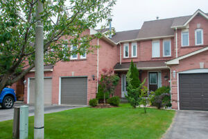 3 Bedroom Freehold Townhouse In Whitby