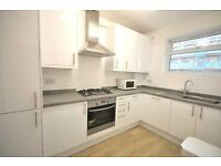 *Stunning & large 3 bedroom flat situated in Bloomsbury fitted kitchen tiled bathroom available NOW*