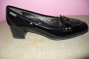 Mephisto black patent pump (NEW) size 10