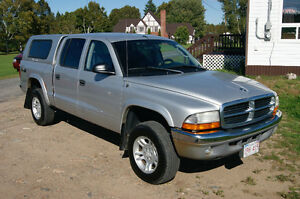 2004 Dodge Dakota 4X4 CREW CAB Pickup Truck