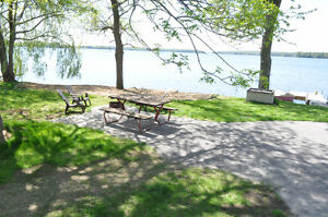 Relax in White Lake only 45min to Ottawa- 3 cottage