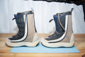 Killer Loop Snowboard Boots for Sale. Size 9