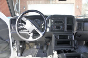Duramax LBZ. 160k loaded, leather DVD. Stock.