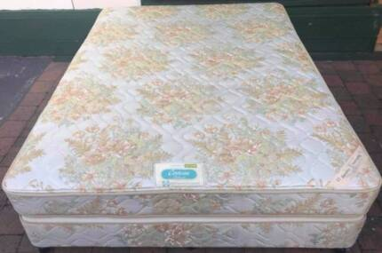 Excellent Sealy Brand Queen Bed set. Delivery option available