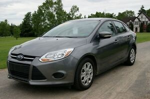 2013 Ford Focus se loaded 30000 km Sedan like new low payment