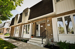 Bright, two bedroom townhouse condo in Kirkland