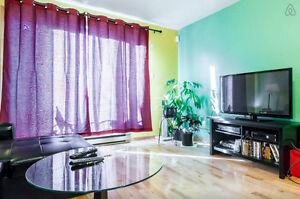 Great 2 bedroom condo Metro Laurier / Apt 2 Chambres Laurier