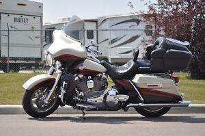 "2006 Harley Davidson CVO Ultra Classic FLHTCUSE 103"""