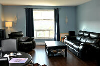 *December FREE* Renovated 2 Bedroom, Forest Hills