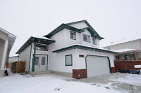 SPACIOUS BI LEVEL IN HOLLICK KENYON - MOTHER IN LAW SUITE!!!