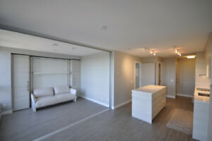 2B,  2B, 681 sq ft Condo for Rent in Central Surrey