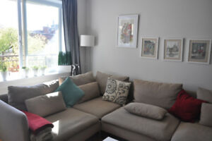 $500 DISCOUNT ON DECEMBER'S RENT! 3 1/2 DOWNTOWN APARTMENT