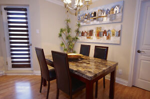 Dinning table with 4 leather chairs West Island Greater Montréal image 1
