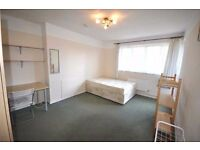 * Huge 4 Double Bedroom Flat Fitted Kitchen Family Bathroom GCH Near to UCL/LSE available 22nd July*