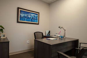 LUXURIOUS PRIVATE OFFICES ON YONGE ST FROM $700