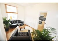 A stunning 1 bedroom property is located within 3 minutes walk to Archway underground station.