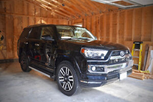 MINT, low km 2014 Toyota 4Runner Limited