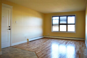 2 BEDROOM APARTMENT - Utilities Included - Close to Jon Raymond