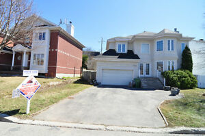Double garage, 4 bedrooms, 3.5 bathrooms, West island